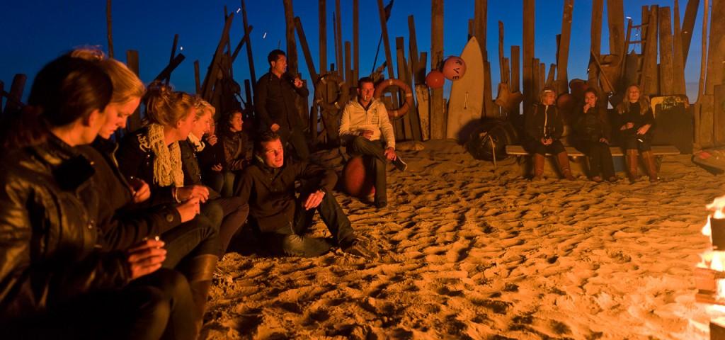 island-events-teamuitje-bedrijfsuitje-kampvuur-strand-wadden - Westcord Hotels