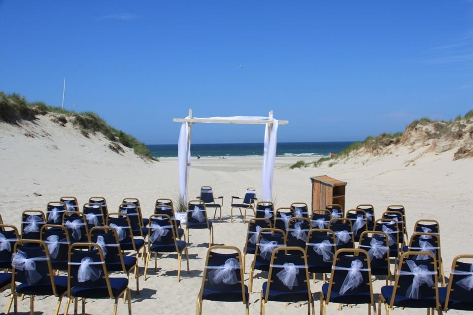 huwelijk strand terschelling - Westcord Hotels