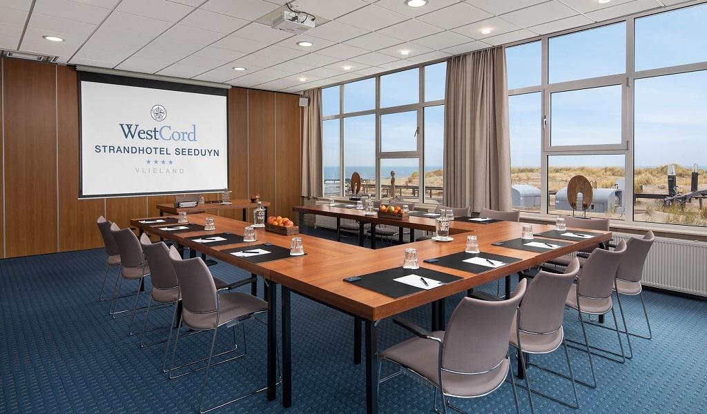westcord-strandhotel-seeduyn-vergaderzaal-noordzee-beamer